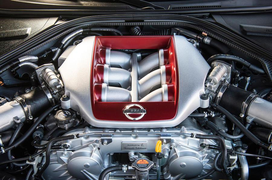2016 Nissan GT-R review