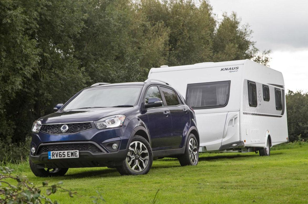 How to reverse a caravan or trailer