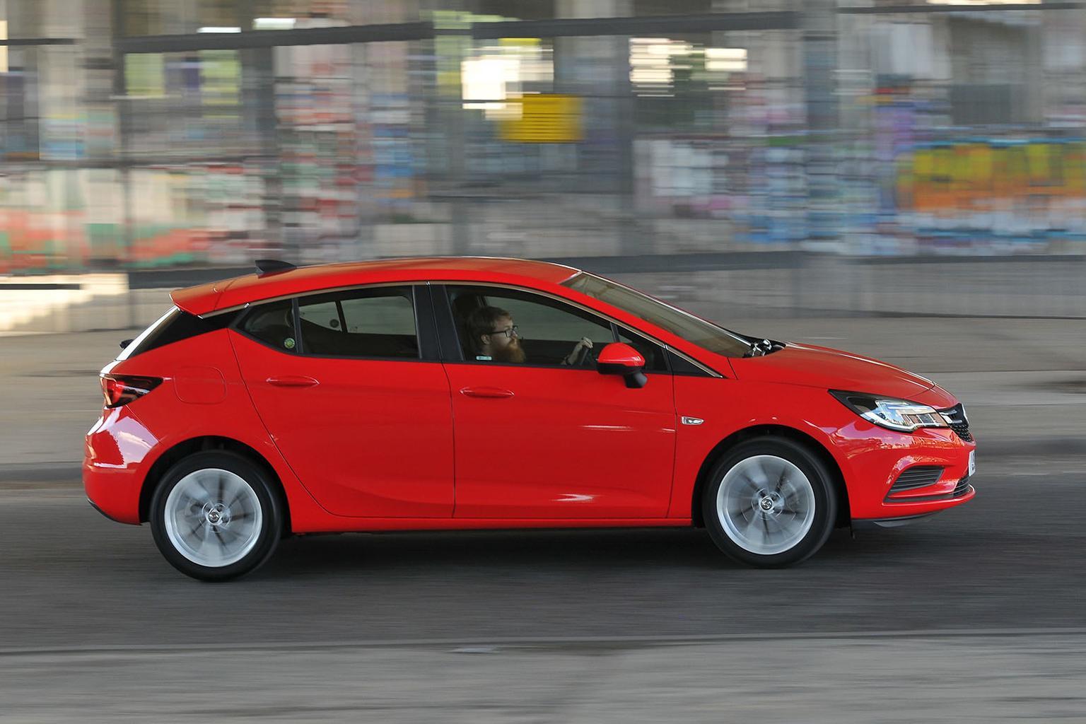 Skoda Octavia vs Vauxhall Astra