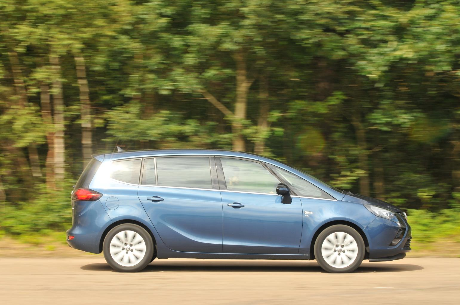 Used Ford S-Max vs Vauxhall Zafira Tourer