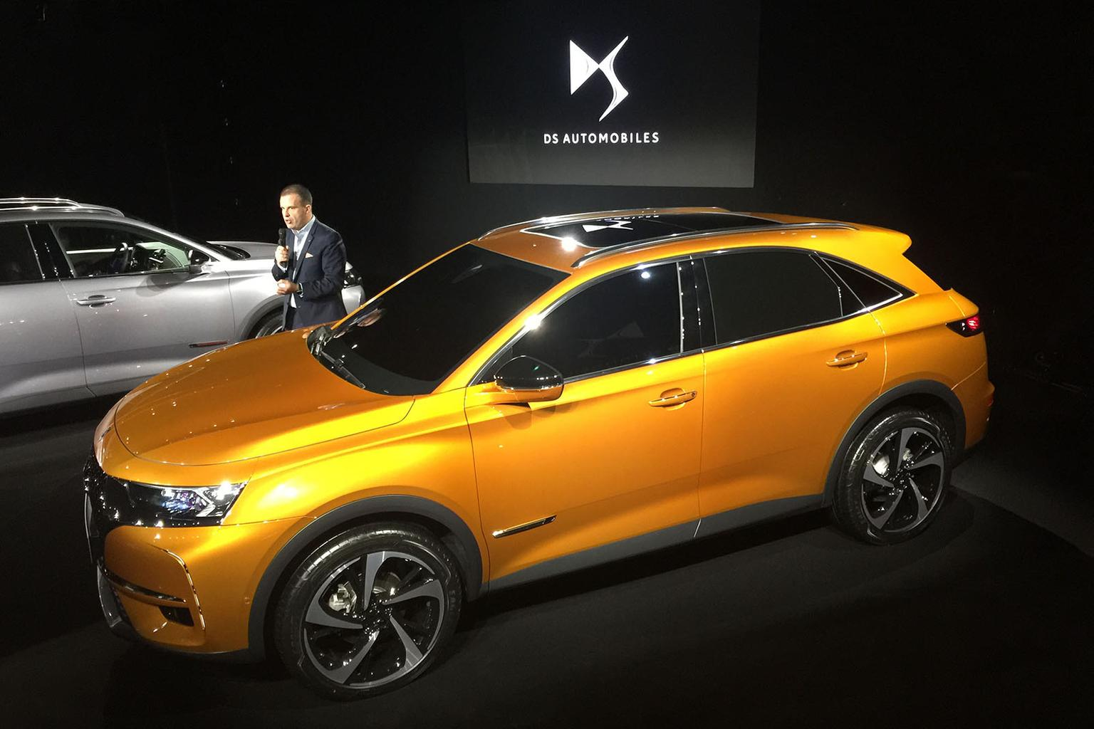 DS 7 Crossback revealed ahead of Geneva motor show