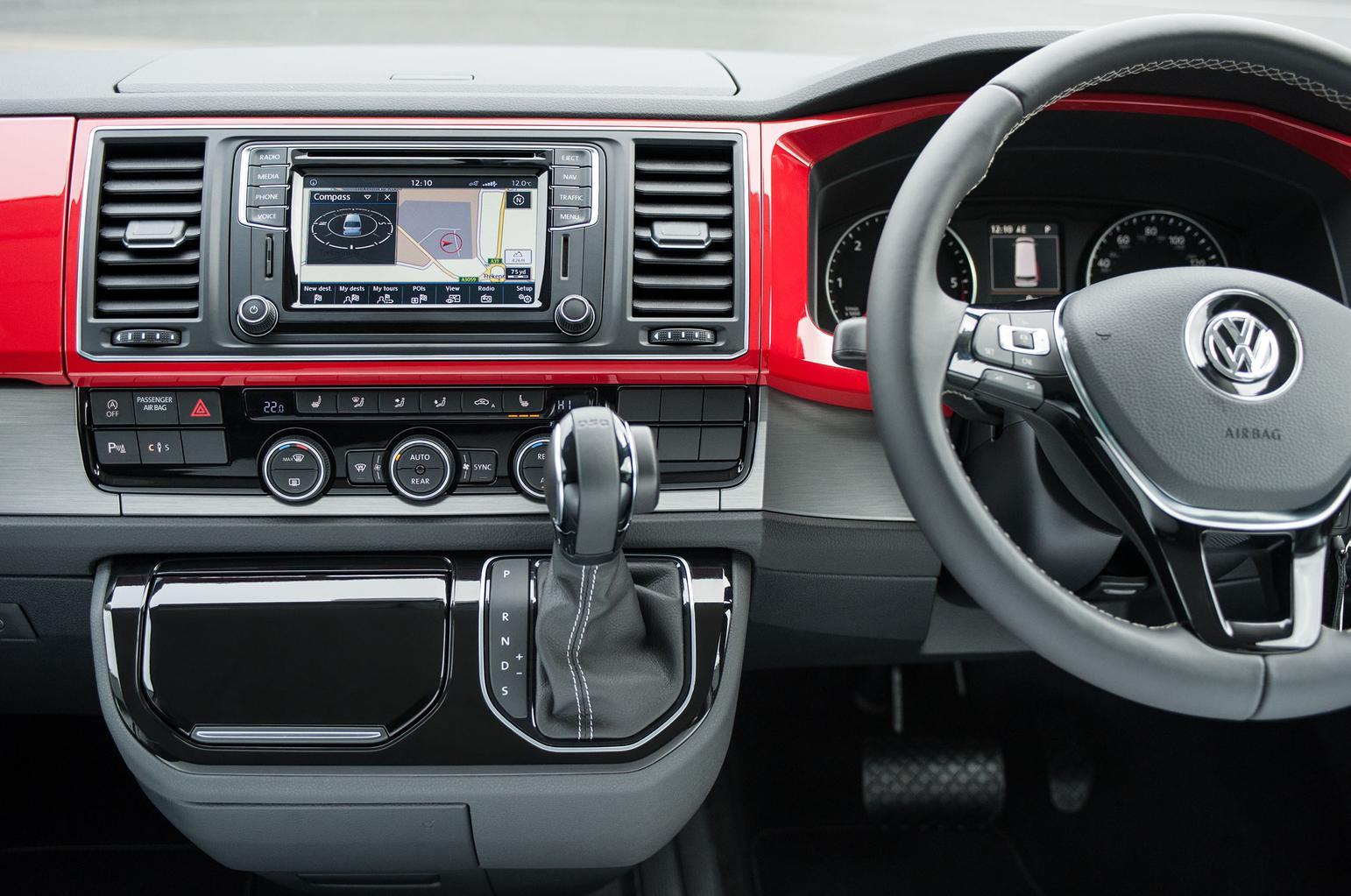 2016 Volkswagen Caravelle Gen 6 review
