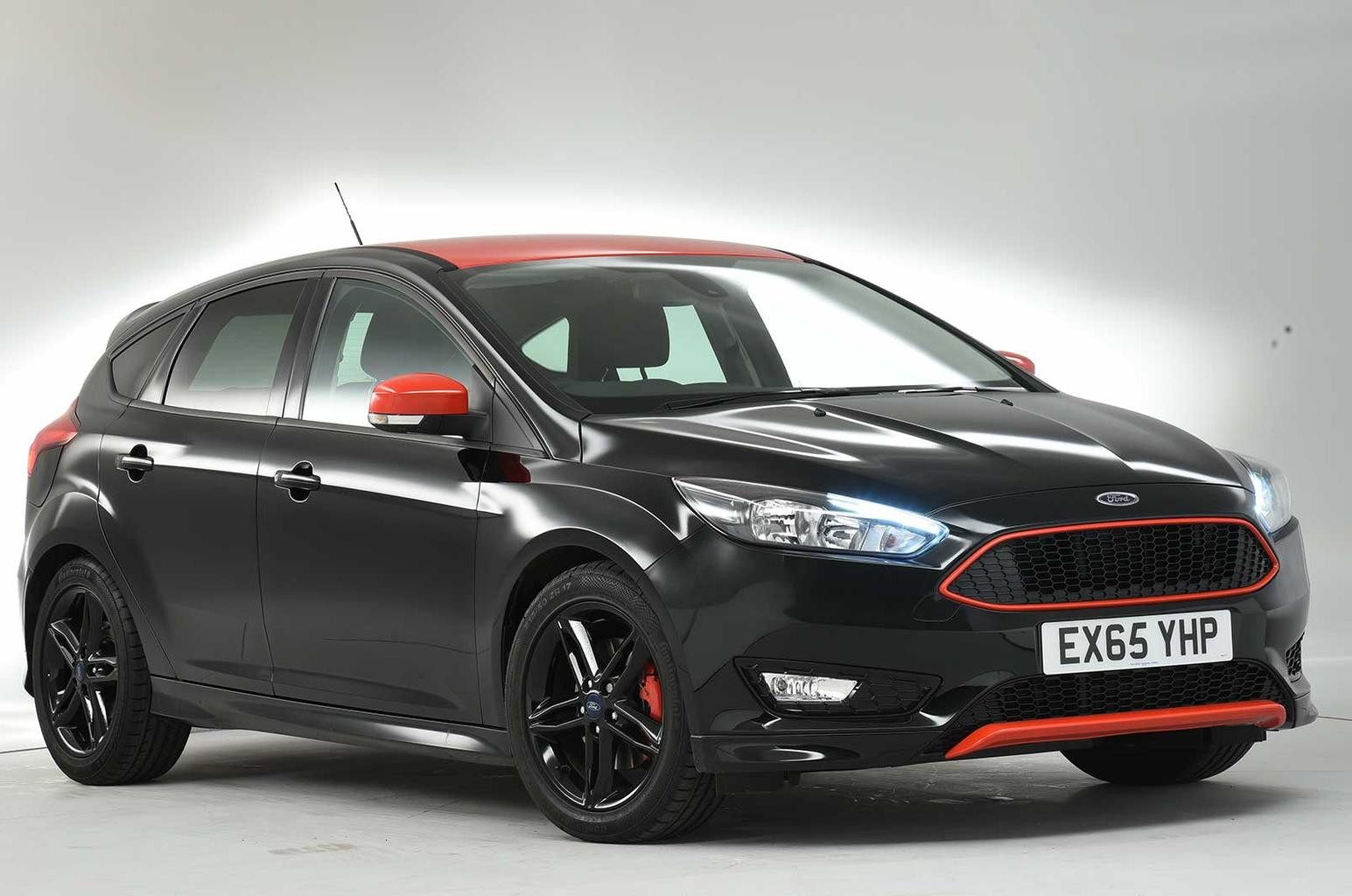 Ford Focus Black Edition vs Seat Leon FR