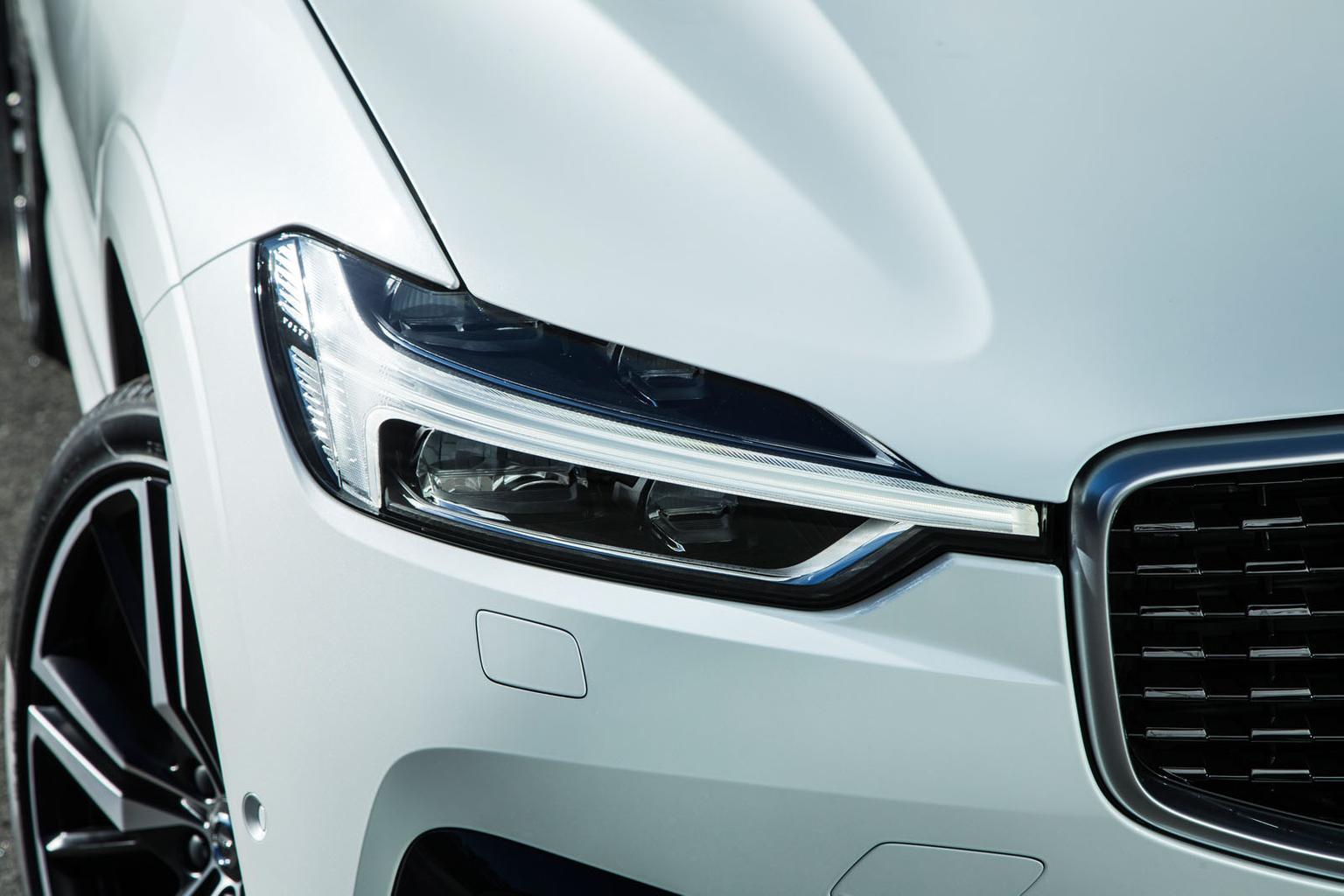 2017 Volvo XC60 gallery