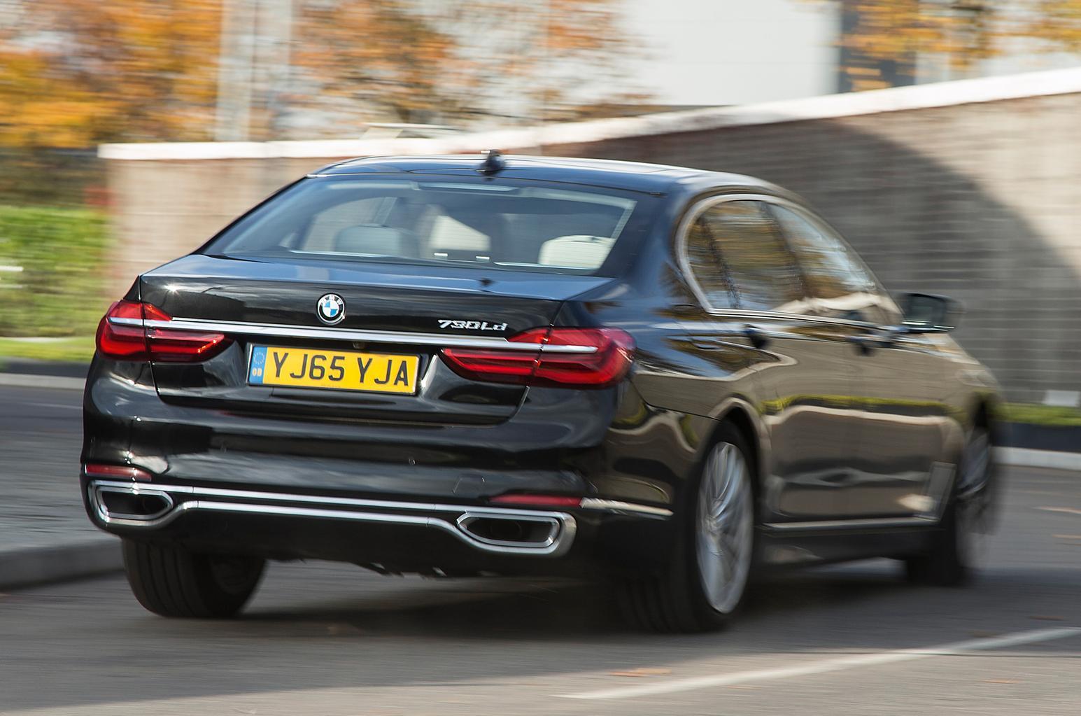 New BMW 7 Series vs Mercedes S-Class