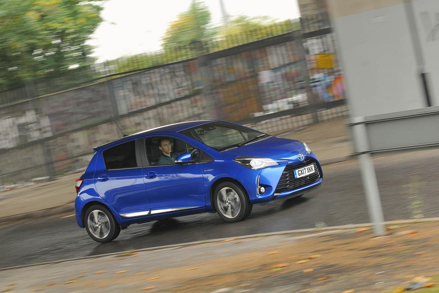New Toyota Yaris Hybrid vs Renault Zoe