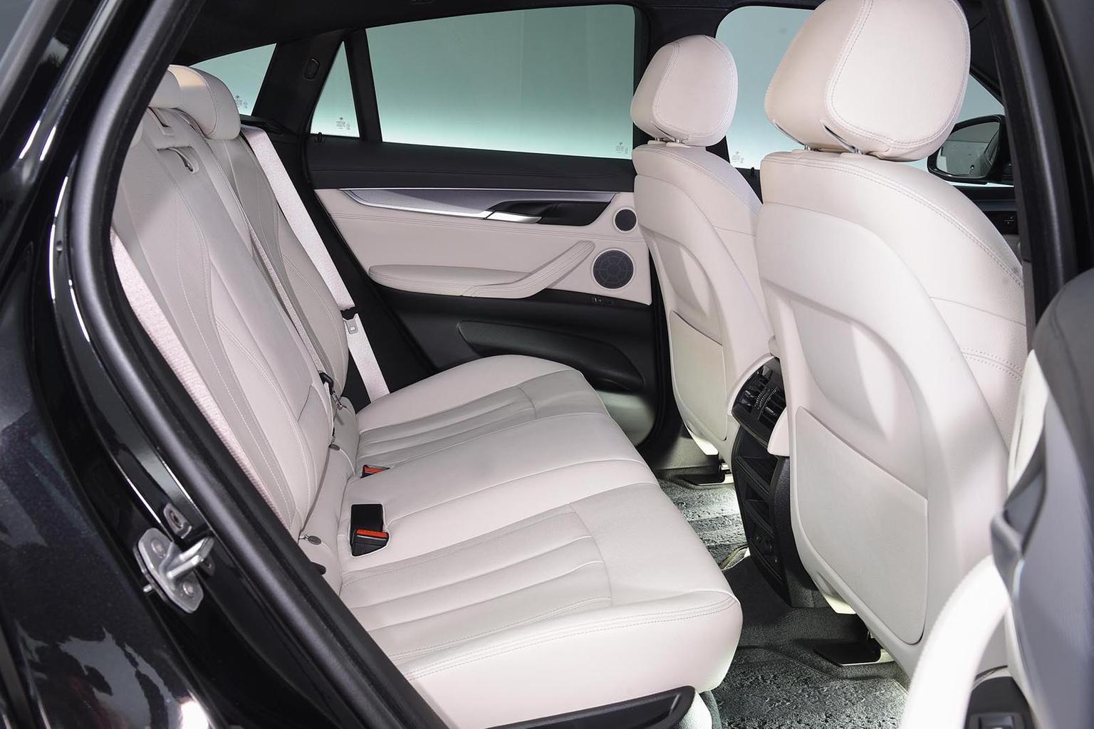 New Range Rover Velar & Audi SQ7 vs BMW X6