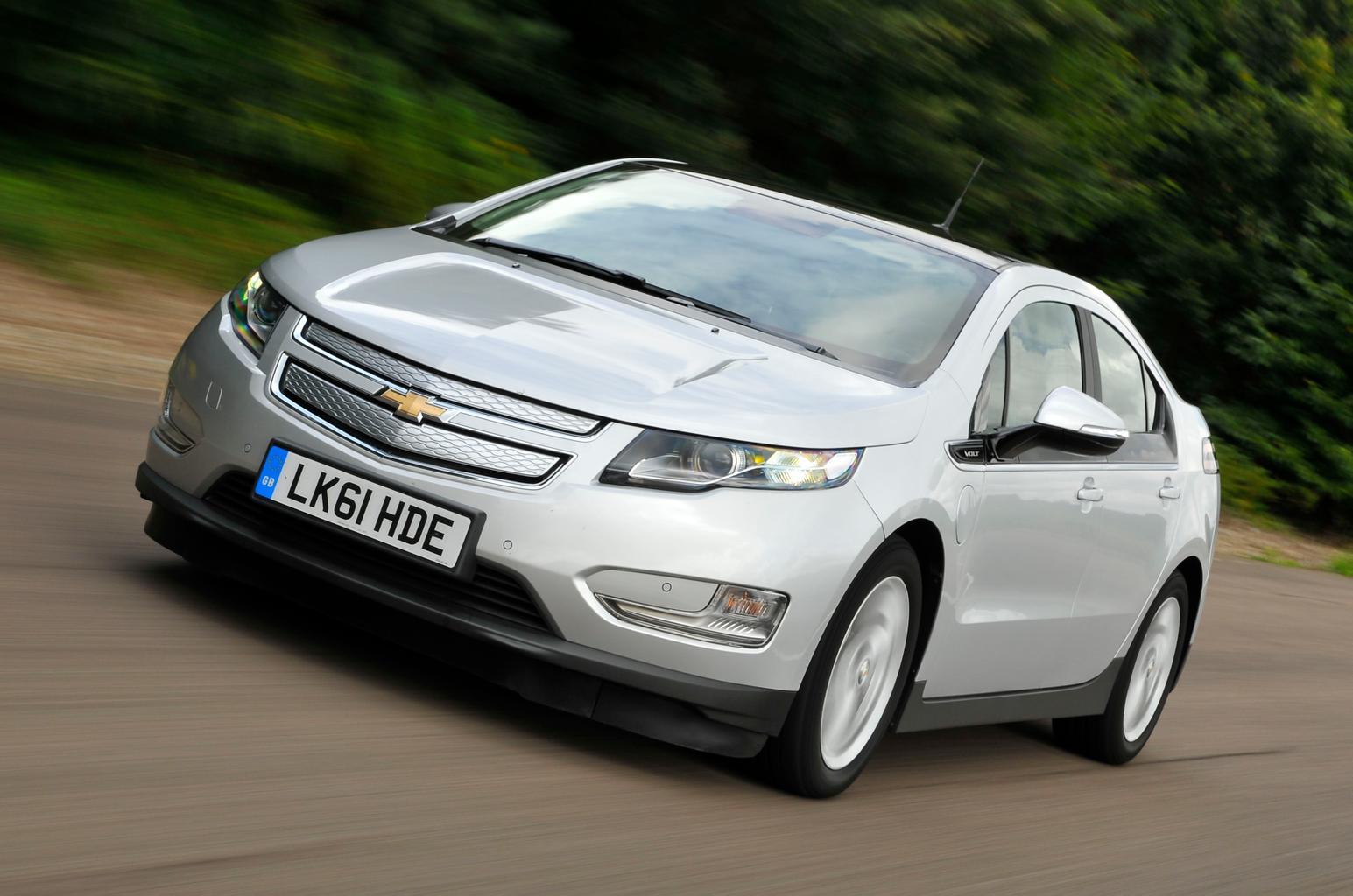 Used test – diesel busters: Chevrolet Volt vs Toyota Prius Plug-In