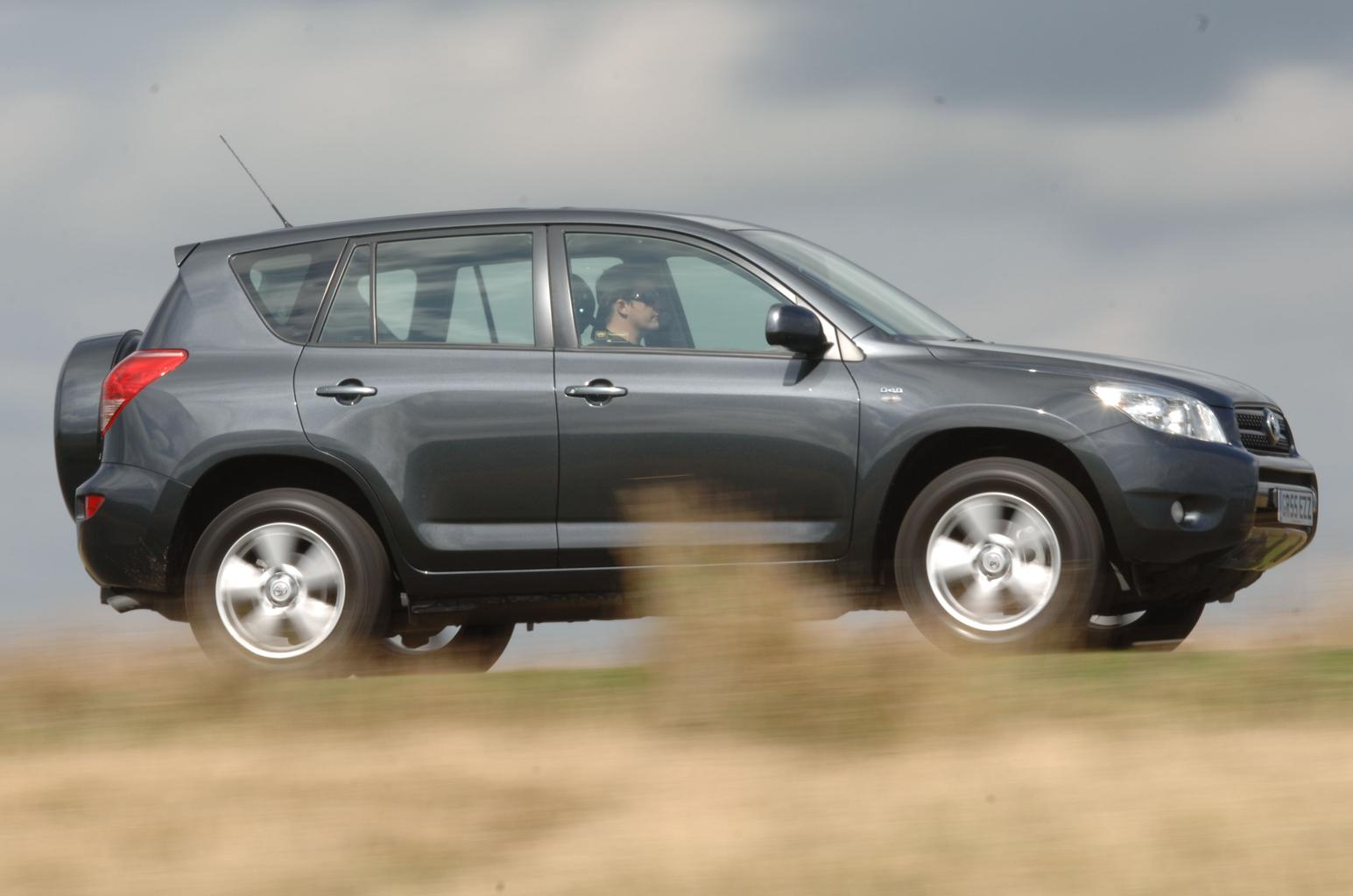 Used test – affordable SUVs: Hyundai Santa Fe vs Land Rover Freelander and rivals