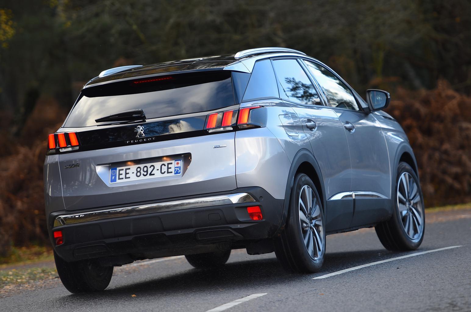Peugeot 3008 vs Seat Ateca vs Toyota C-HR