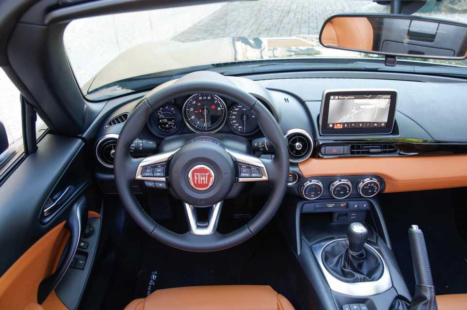 2016 Fiat 124 Spider - exclusive reader test team preview