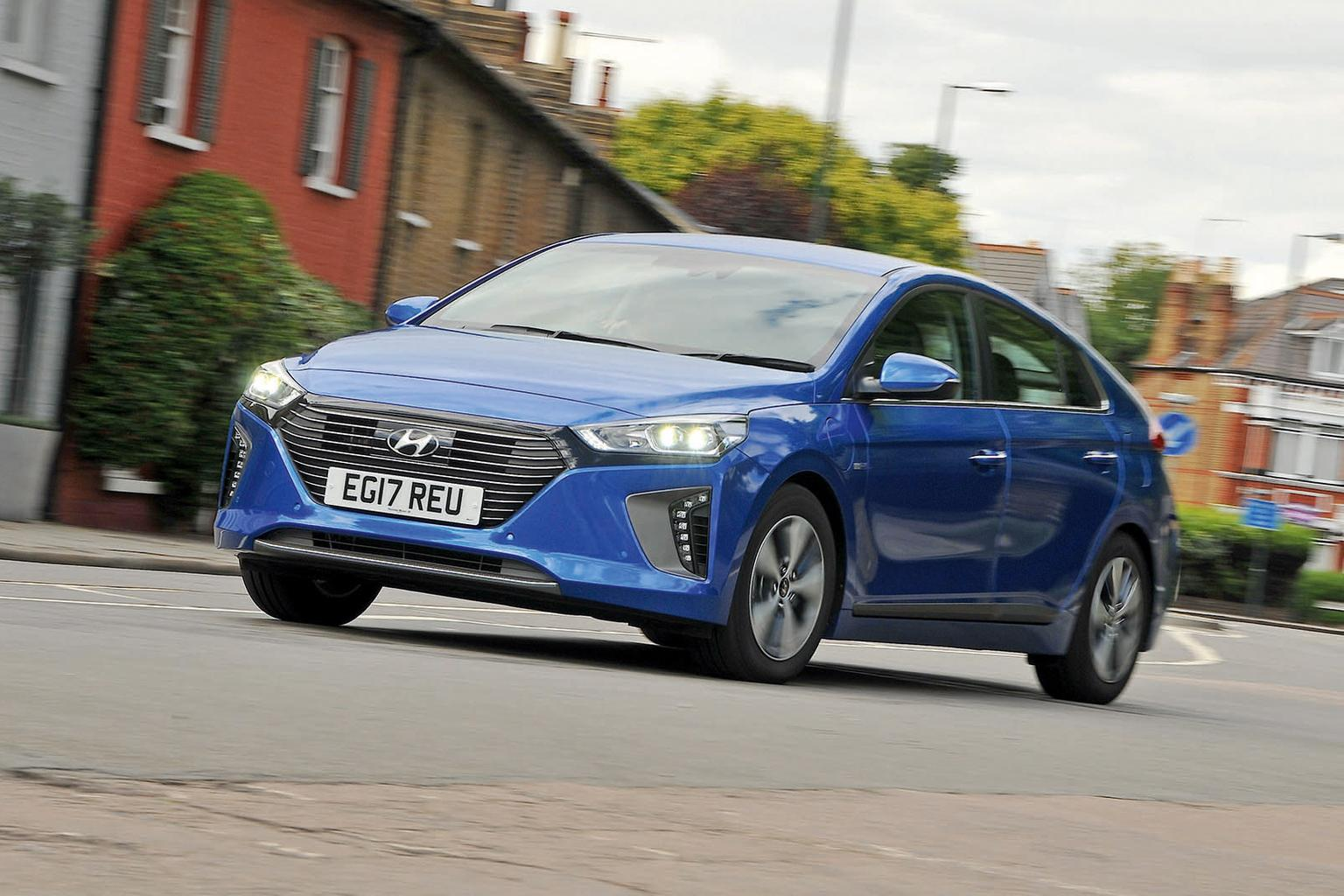 New Hyundai Ioniq Plug-In vs New Volkswagen Golf GTE