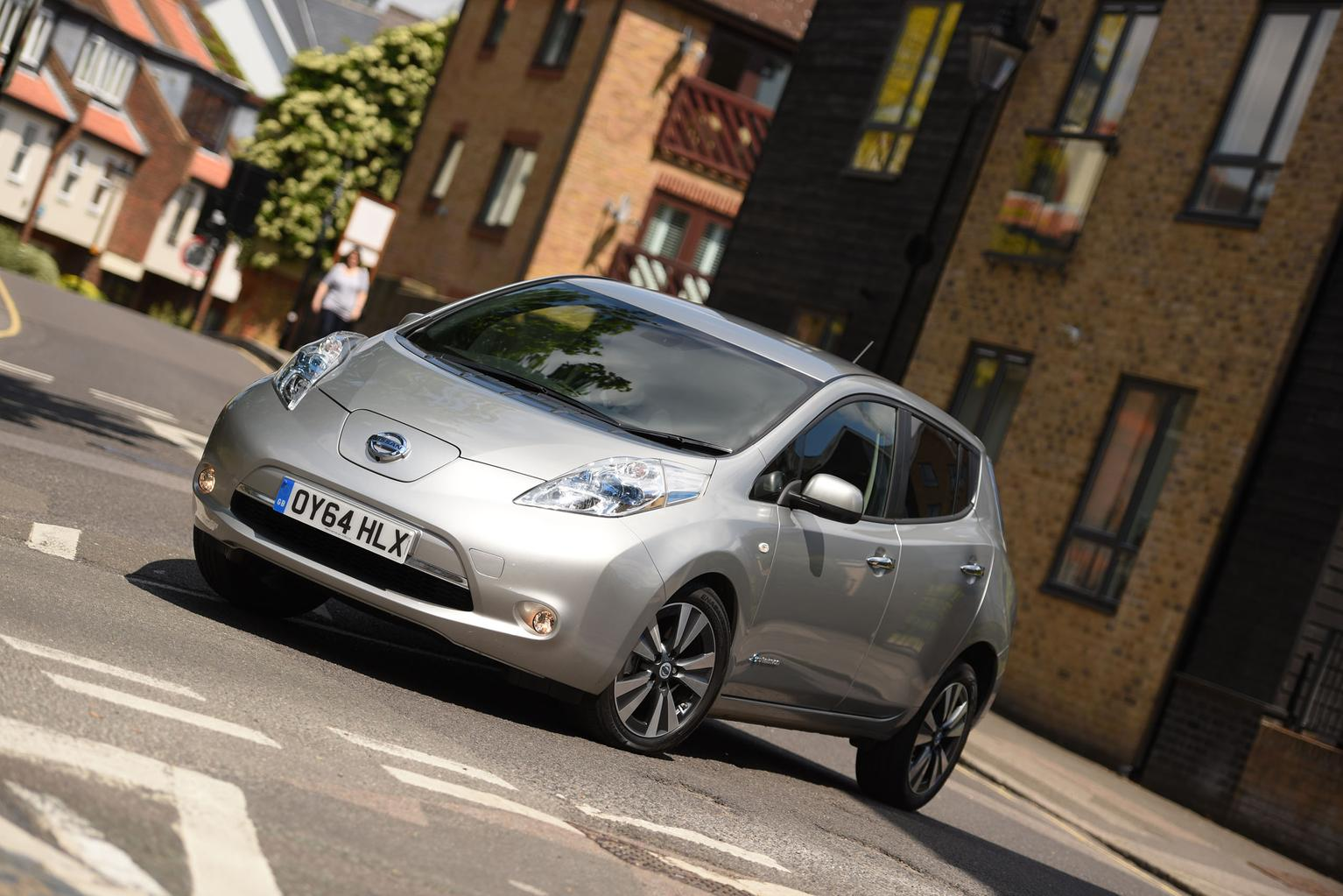 Only electrified cars will be sold in UK from 2040