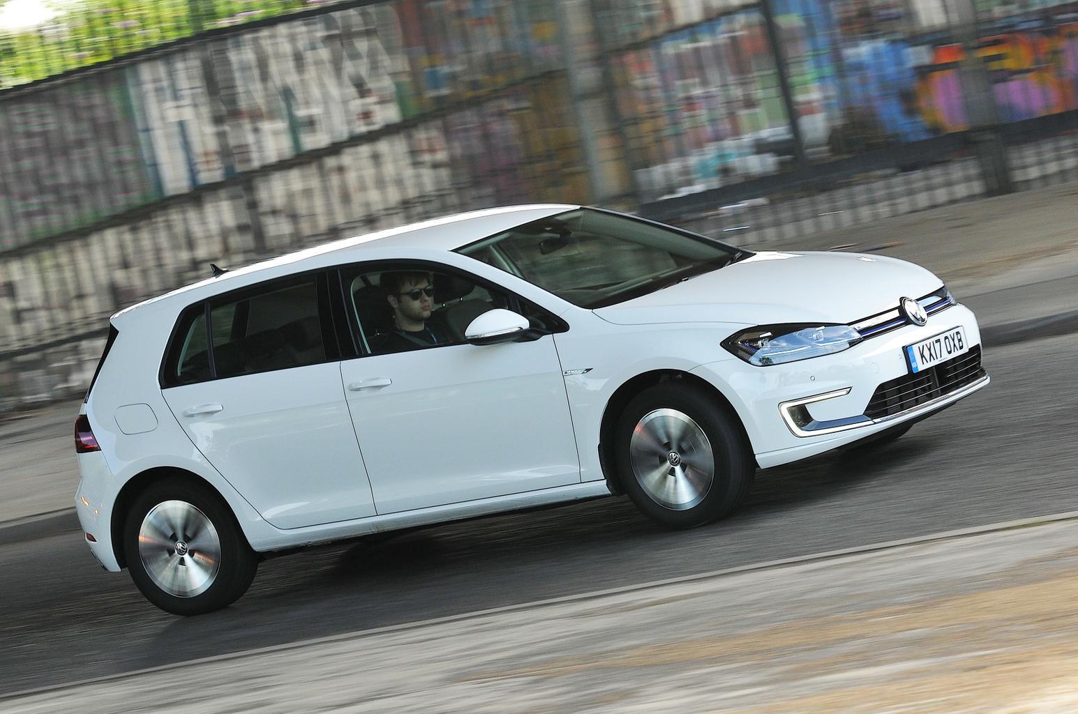 New Volkswagen e-Golf vs BMW i3