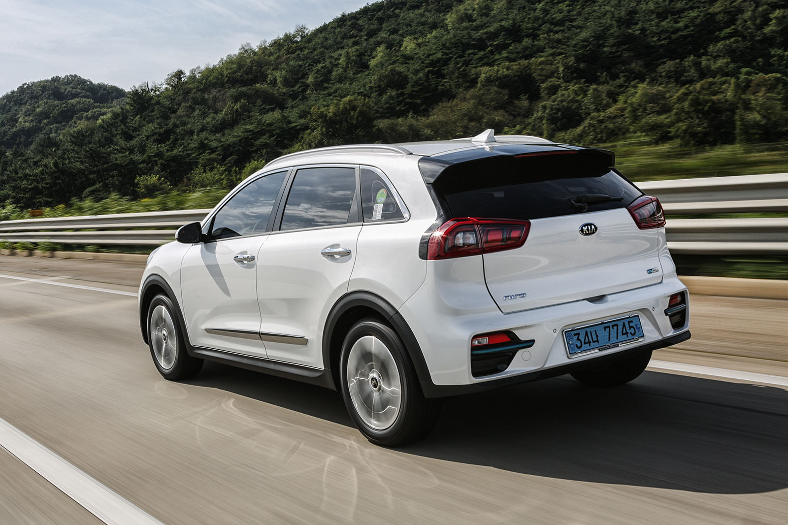 2019 kia e niro review price specs and release date what car. Black Bedroom Furniture Sets. Home Design Ideas