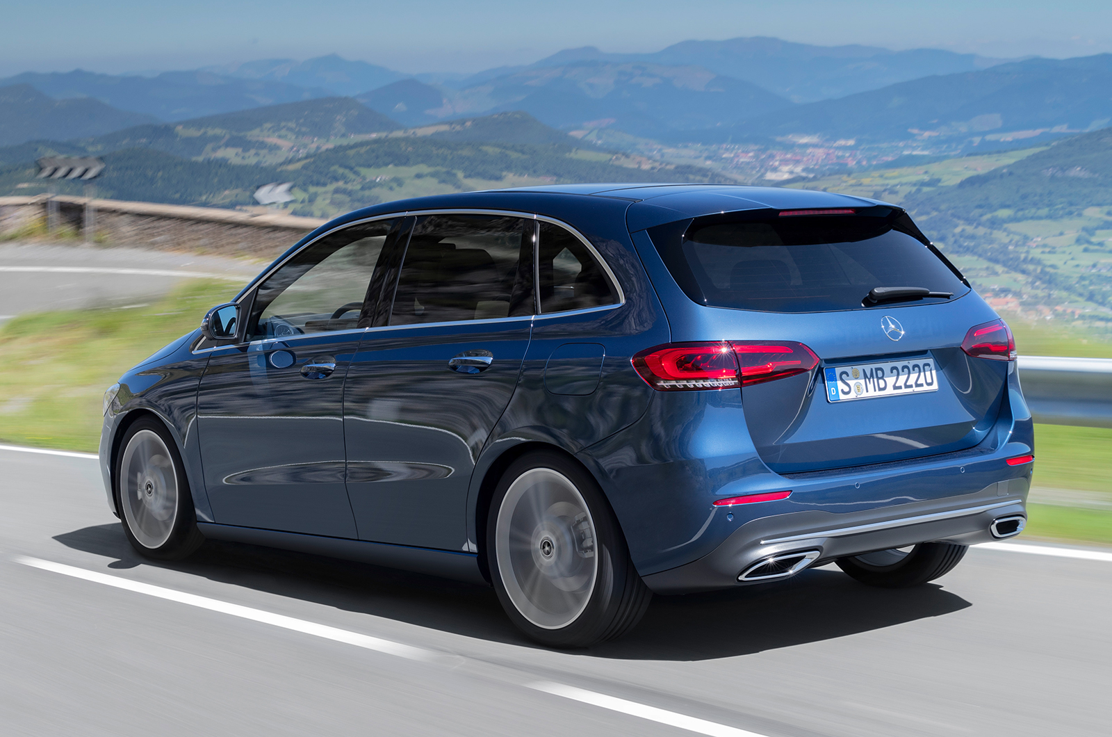 2019 mercedes b class revealed price specs and release date what car. Black Bedroom Furniture Sets. Home Design Ideas